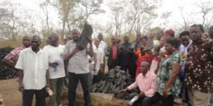 Photo: Ward Councilors from Morogoro District, governmental officials and other stakeholders admiring sustainable charcoal production at Ulaya Mbuyuni Village, Kilosa (Credit: https://www.ippmedia.com)